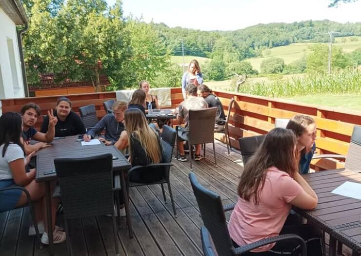 Mladi iz EU spet na Erasmus+ delavnici v Peterlougu